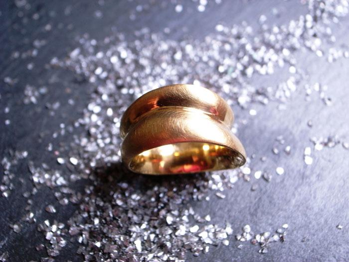 StephanieHenzler Ring GOLDFINGER 750-Gelbgold