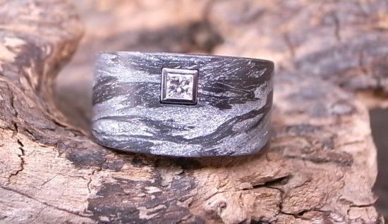 Ring AlutecCarbon DiamantPrincessCut Platin von Stephanie Henzler - Goldschmiede-Atelier