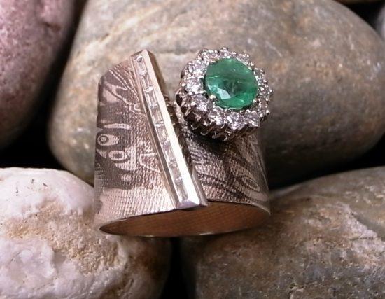 Ring auf Kundenwunsch SilberPalladium mit Diamanten, Smaragd und Brillanten von Stephanie Henzler - Goldschmiede-Atelier