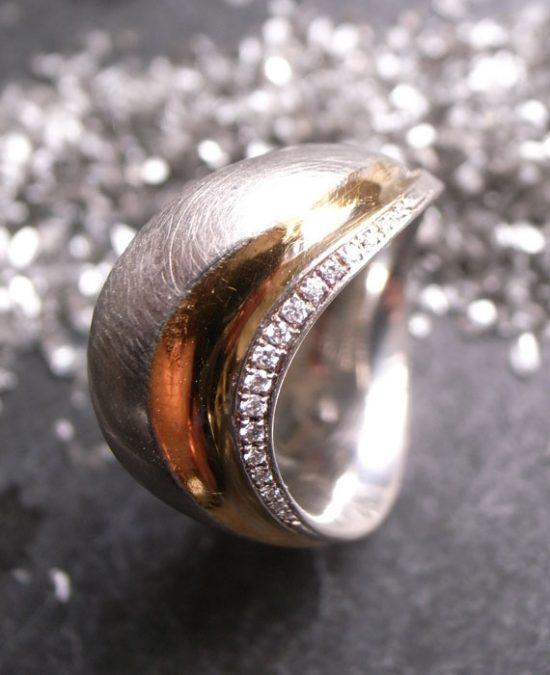 Verlobungsring SHINE 950-Platin mit Rosegold und Brillanten von Stephanie Henzler - Goldschmiede-Atelier