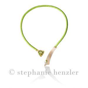 "Collier ""Green Starlet"" 750 Roségold mit Platin aufgeschweißt, grüner Beryll (15,44 ct), Tahiti-Perle grün, Rochenleder grün"