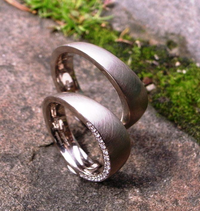 Trauringe 750 Weissgold mit Diamanten von Stephanie Henzler - Goldschmiede-Atelier