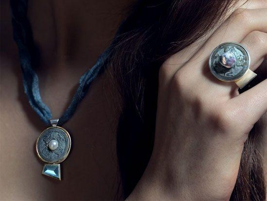 Anhänger und Ring japanische Münze aus der Kollektion TokyoLine von Stephanie Henzler